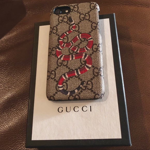 online store d8e73 62159 Gucci Snake iPhone 7 Case